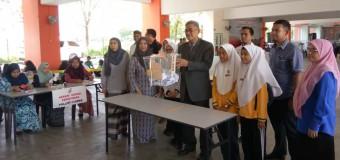 Program Amalan Demokrasi Berparlimen & Kembara Kelab Malaysiaku